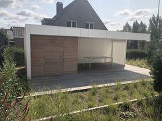Poolhouse op maat gemaakt  Apart ontwerp voor elke klant ,  surf naar :  www.outsit.be Esther, Surf, Garage Doors, Deck, Outdoor Decor, Modern, Home Decor, Lawn And Garden, House