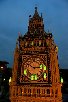 Ghost flock to LEGO Big Ben for our Halloween take over!