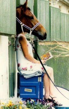 Sarah Jessica Parker Reading A Book