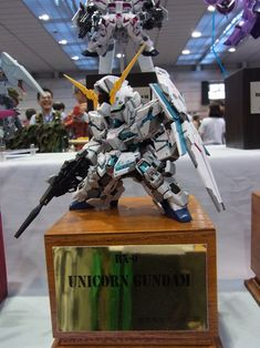 SD Gundam Unicorn Destroy mode. Courtesy of gunjap.net