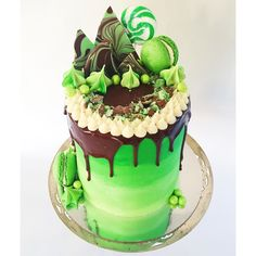 The brief was #green , a red velvet cake with cream cheese topped with ganache and aero crumble