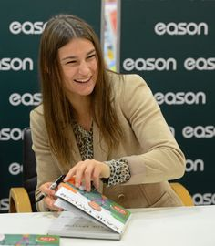 Katie Taylor book signing O'Connell St - Nov 2012