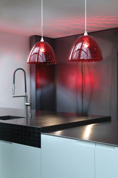 Koziol Stella S Hanging Lamp - Transparent Red Cool Lighting, Lighting Design, Pendant Lighting, Kitchen Light Shades, Design3000, Unique Home Accessories, Lighting Showroom, Contemporary Pendant Lights, Luminaire Design