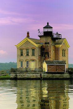 Saugerties Lighthouse, Hudson River, New York