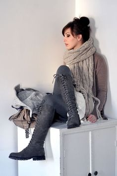 How tall lace-up boots are done!