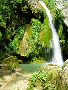 #NacederoUrederra  #Baquedano  El Paraíso del Agua. En el #ParqueNaturalUrbasa #ComarcaUrbasaEstella  #NaturalezaViva  #RutaCascadasBaquedano  #NavarraNaturalmente  Web:  http://nacedero-rio-urederra.blogspot.com.es/ Sacar BONOS Acceso:   http://goo.gl/OmSE0Y  NORMATIVA:  VIDEO : http://youtu.be/Byl9UxDgI6Q  #CasasRurales    www.casaruralnavarra-urbasaurederra.com  Facebook:  https://www.facebook.com/NacederoUrederraParqueUrbasa.CascadasdeBaquedano