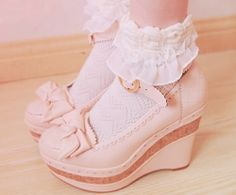 pink shoes, lace socks #high