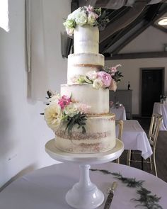 Barn wedding or a luxury hotel reception, this cake would suit any occasion. Beautiful luxury custom cakes made especially for you. Hotel Reception, Buttercream Wedding Cake, Beautiful Wedding Cakes, Wedding Cake Designs, Custom Cakes, How To Make Cake, Special Day, Barn, Suit