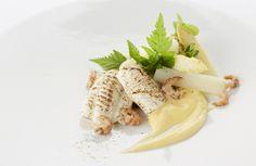 Gebrande zeetong met asperges en gerookte boter