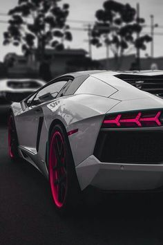 Lambo. #lamborghini #dreamit #white #beautiful #car #lambo