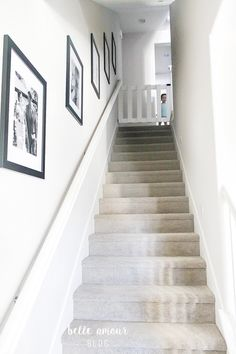 78 Staircase Design Ideas with Plenty of Decorating Inspiration Diy Dog Gate, Diy Baby Gate, Baby Gates, Dog Gates, Baby Gate For Stairs, Barn Door Baby Gate, Stair Gate, Pallet Gate, Diy Blanket Ladder