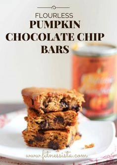 flourless pumpkin chocolate chip bars.jpg