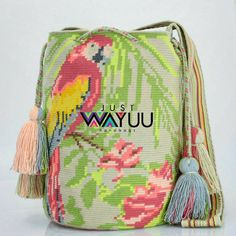 330 отметок «Нравится», 12 комментариев — Just Wayuu (@just.wayuu) в Instagram: «Single thread bag with Parrot and flowers pattern. Handcrafted handbags made by indigenous wayuu in…»