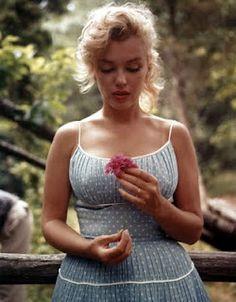 Marilyn Monroe -sweet image...