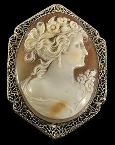 Vintage shell cameo brooch.