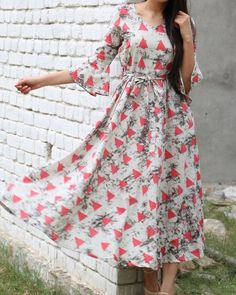 Buy The Secret Label Multi Color Rayon Slim Fit triangle flared maxi online in India at best price.Fit and flare triangle print maxi dress with side pockets. Frock Dress, Dress Skirt, Dress Up, Kurta Designs, Blouse Designs, Dress Designs, Casual Dresses, Fashion Dresses, Fashion Blouses