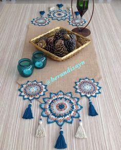 Crochet Owls, Crochet Home, Crochet Doilies, Knit Crochet, Crochet Edging Patterns, Crochet Stitches, Crochet Table Runner, Crochet Slippers, Diy Arts And Crafts