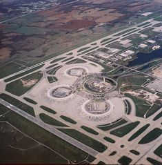 Kansas City International Airport (KCI) @ http://www.airport-technology.com/projects/kansas-city-international-airport-missouri-mci/kansas-city-international-airport-missouri-mci1.html