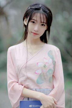 Cute Girl Beautiful Chinese Girl, Cute Japanese Girl, Beautiful Asian Women, Asian Cute, Cute Asian Girls, Cute Girls, Japonese Girl, China Girl, Japan Girl