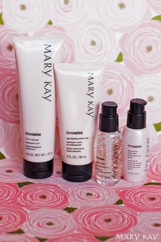 Help your mom care for her skin by giving her the TimeWise® Miracle Set®. This easy four-step skincare regimen will help keep her skin clean and protected from wherever life takes her. | Mary Kay