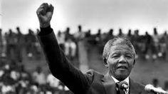Aquesta imatge representa l'alliberament de Nelson Mandela