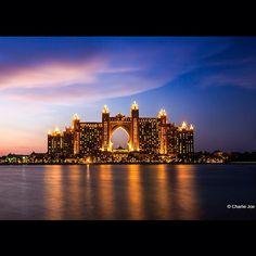 We stayed here and had a blast Dubai Atlantis Resort! The kids loved it Voyage Dubai, Places To Travel, Places To Go, Dubai Travel Guide, Palm Jumeirah, Dubai City, Tower Bridge, E Bay, Atlantis