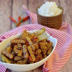 🍴Směs s tempehem a rýží recept – rychle, zdravě a jednoduše 🍴 Jimezdrave.cz Indonesian Food, Tempeh, Soy Sauce, Chicken Wings, Fries, Paleo, Dishes, Sweet, Recipes