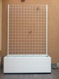 Ikea bars supporto per rampicanti con base il - Fioriera con grigliato ikea ...