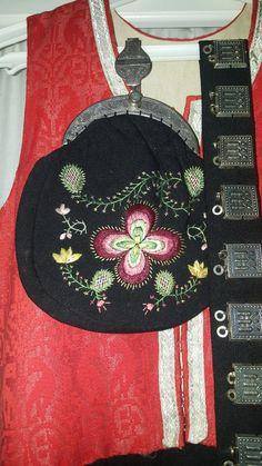 (1) FINN – Nordmørsbunad Folk Costume, Costumes, Norway, Coin Purse, Purses, Silver, Ideas, Handbags, Dress Up Clothes