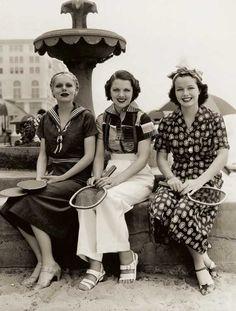Fashion-Sourcebook-1930s---3-cotton-dresses-1936