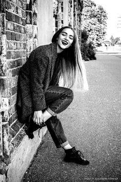 Мода, улица, стиль, пальто, девушка, волосы , ч/б , жизнь, улыбка, восторг, восхищение