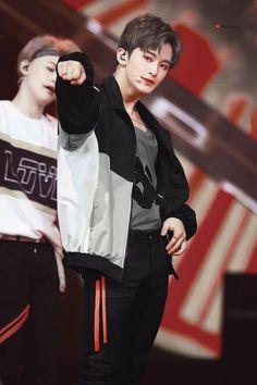 markhyuck [v] ✓ Mark Lee, Jaehyun, Winwin, Taeyong, Kpop, Nct Dream Renjun, Nct 127 Mark, Lee Min Hyung, Rapper