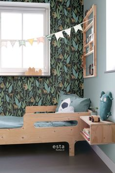 This fresh and sparkling wallpaper print with monkeys in black, dark green and mint green is perfect for creating an amazing jungle themed playroom, nursery or children's room. Your kid will love it! Safari Room, Safari Theme Nursery, Green Kids Rooms, Jungle Bedroom, Kids Room Wallpaper, Wallpaper Jungle, Playroom Organization, Toy Rooms, Awesome Bedrooms