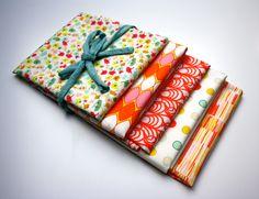 #Lote de 5 #telas para #patchwork en tonos rojos, naranja y verde