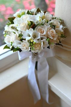 all white and green wedding bouquet by Affair with George http://www.affairwithgeorge.com.au/