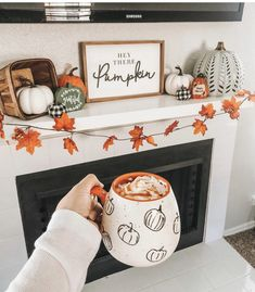 Hey there pumpkin, it's finally September! 🍁🍂I've been excited to decorate my apartment for Fall/Halloween. So far this is my favorite… Halloween Home Decor, Halloween House, Fall Halloween, Halloween Mantel, Halloween Decorations Apartment, Halloween Living Room, Fall Room Decor, Fall Apartment Decor, Fall House Decor