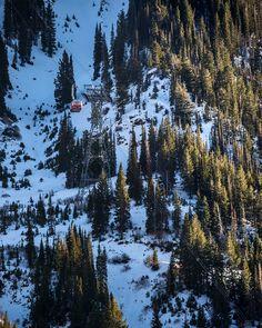 (c) IG @chrissegal   #holidaytravel #holidays #skiing #skilift #travel #travelguide #skiingguide Ski Lift, Holiday Travel, Utah, Travel Guide, Skiing, Paradise, Holidays, Mountains, Nature