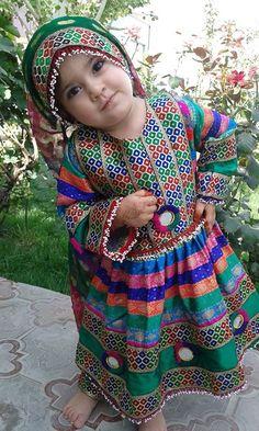 Bizim qndvlk şekerleri . Afgan kız çocuğu. ❤