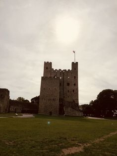 Rochester Castle, Tower Bridge, Monument Valley, Nature, Travel, Naturaleza, Viajes, Trips, Nature Illustration