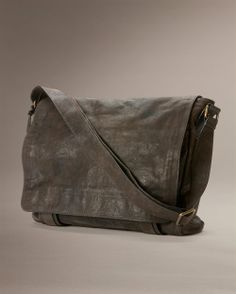 Logan Messenger - Men's Leather Bags, Messenger Bags and Brief Cases - The Frye Company