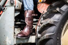 """Men's Leather """"Tractor Boots"""" by Viennese shoe manufacturer Ludwig Reiter Gentleman Shoes, True Gentleman, Men's Leather, Leather Shoes, Shoe Manufacturers, Cowboy Boots, Calves, Lifestyle, American"""