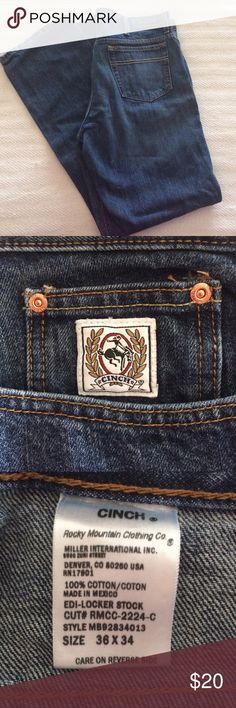 Men's Cinch Jeans Men's Cinch Jeans, in excellent condition, no seen imperfections, dark blue color. White label - relaxed cut - 36 -34 Cinch Jeans Relaxed