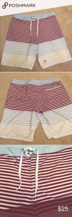 Men's Striped Travis Mathew Striped Board Short XL Men's Striped Travis Mathew Striped Board Short 36W. Excellent condition. No rips, stains, or tears. XL or 36W. Travis Mathew Swim Board Shorts