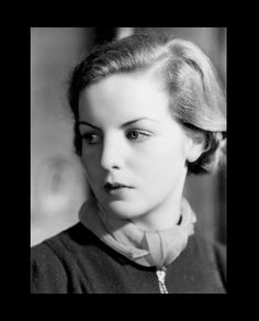"""Deborah, """"Debo"""" the baby of the family, now the Dowager Duchess of Devonshire. Mitford Sisters, Nancy Mitford, The Duchess Of Devonshire, Stella Tennant, Cecil Beaton, British History, Uk History, People Of Interest, Moda Vintage"""