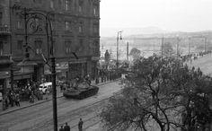 Hogy nézett ki a Jászai Mari tér 120 éve? Budapest Hungary, Entrance, Marvel, History, Revolution, Beautiful, Entryway, Historia, Door Entry