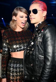 Taylor Swift and Jared Leto backstage at the 2015 VMA Movie Awards in Los Angeles, California. / Getty Images
