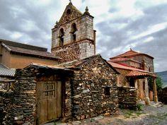 Iglesia de San Cornelio y San Cipriano en El Muyo (Segovia), pueblo de los denominados negros de la Sierra de Ayllón.