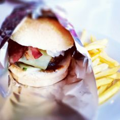 Bacon burger with cheese http://www.weekendsidetrip.com/eat-big-at-hungry-hippo/