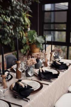 Black and white neutral wedding reception table decor | Image by Julia Luckett Photography Wedding Blog, Wedding Styles, Destination Wedding, Wedding Reception Table Decorations, Wedding Table Settings, Wedding Table Numbers, Neutral Palette, Floral Centerpieces, Wedding Centerpieces