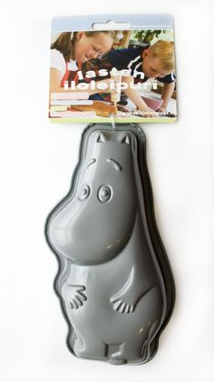 Moomin cake tin. I need it need it need it in my life!!!!!!